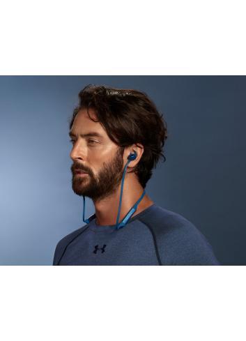 cuffie wireless senza fili Bluetooth, Bowers & Wilkins PI3, indossate
