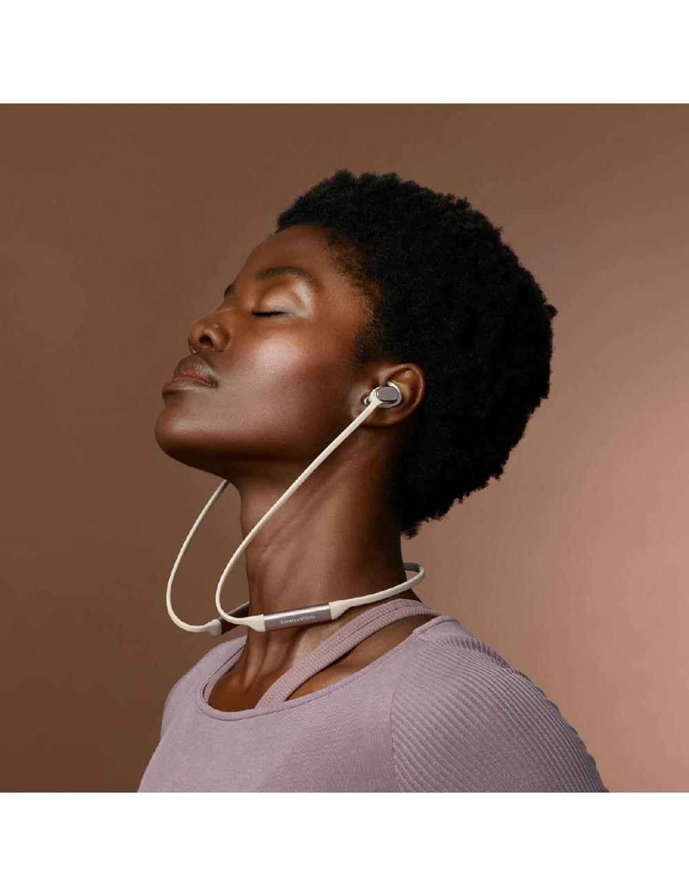cuffie wireless senza fili Bluetooth, Bowers & Wilkins PI3, indossate donna