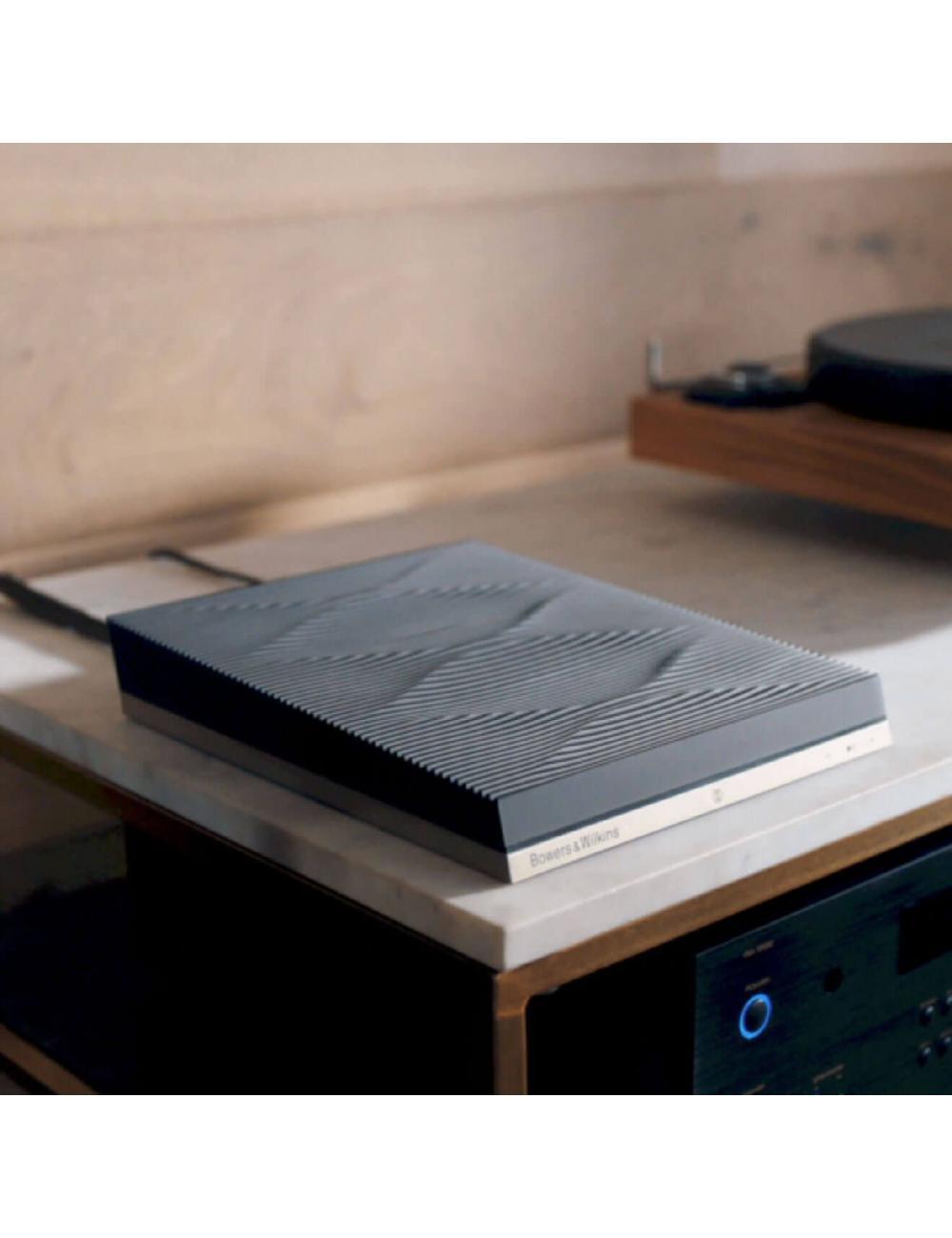 streamer musicale audiofilo HiFi wireless,  Bowers & Wilkins Formation Audio, vista in ambiente, finitura Nero