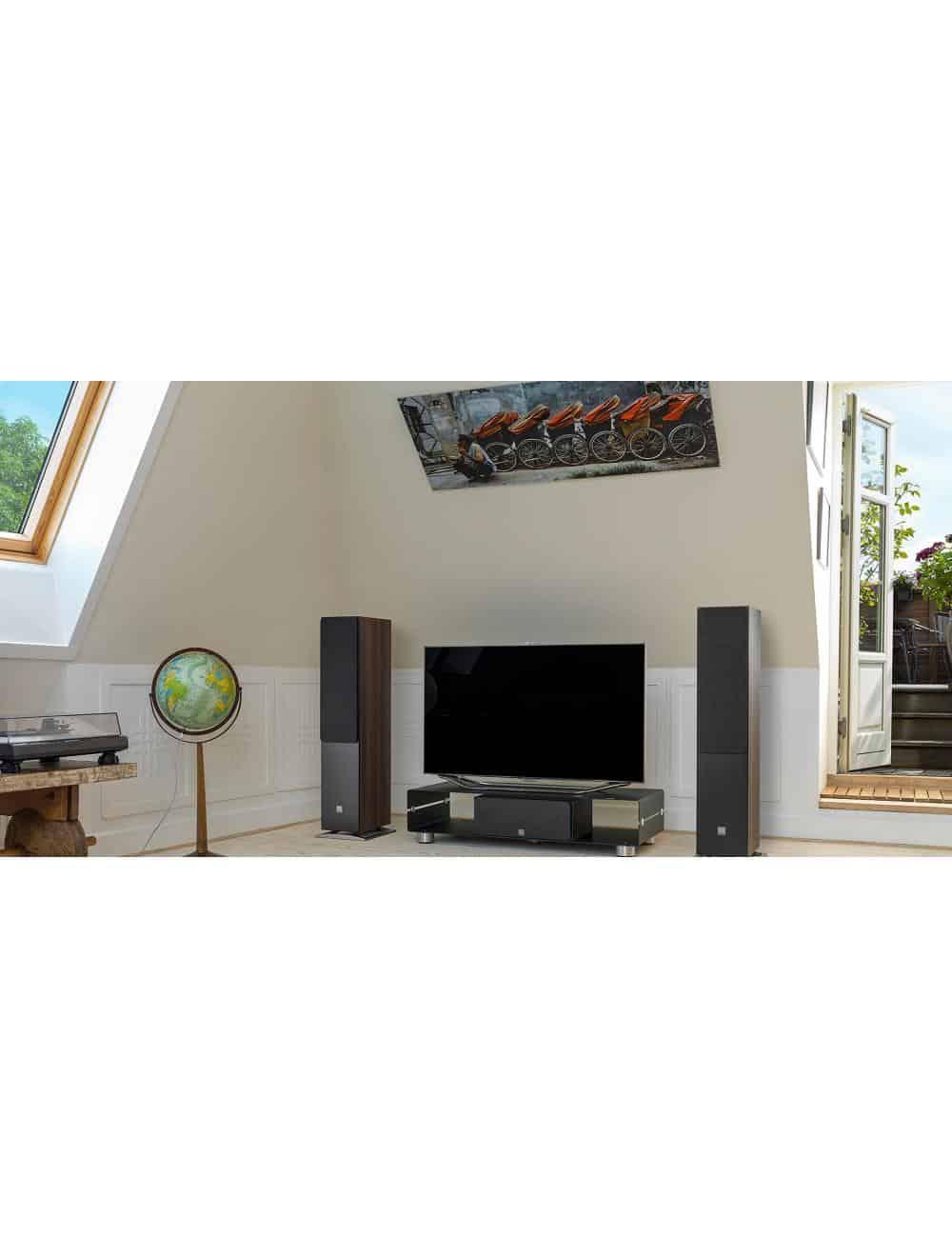 diffusori acustici da pavimento Dali Oberon 7 per HiFi e Home Cinema, finitura walnut in ambiente