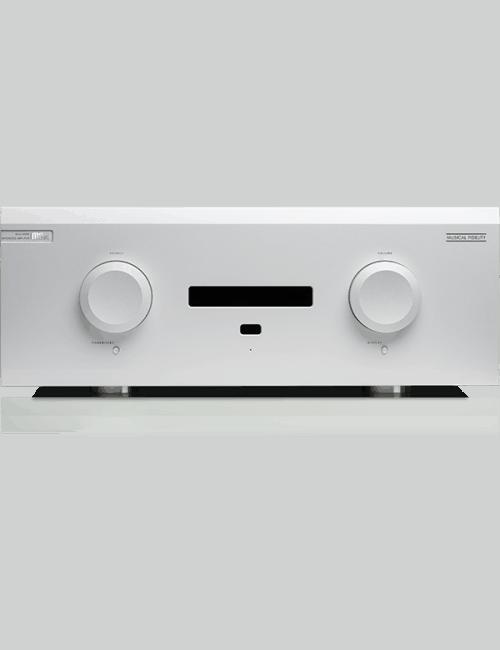 amplificatore integrato costruzione dual mono con DAC, 550W per canale, Musical Fidelity M8xi, vista frontale, finitura Silver