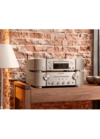 lettore cd e di rete HiFi Marantz ND8006 a due canali con HEOS streaming, finitura Silver Gold, lifestyle
