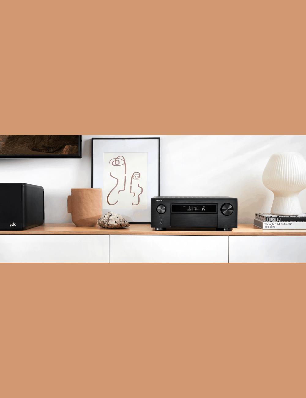 Sintoamplificatore AV 11.2 canali 8K Ultra HD con Audio 3D e HEOS, Denon AVR-X6700H, lifestyle, finitura Black