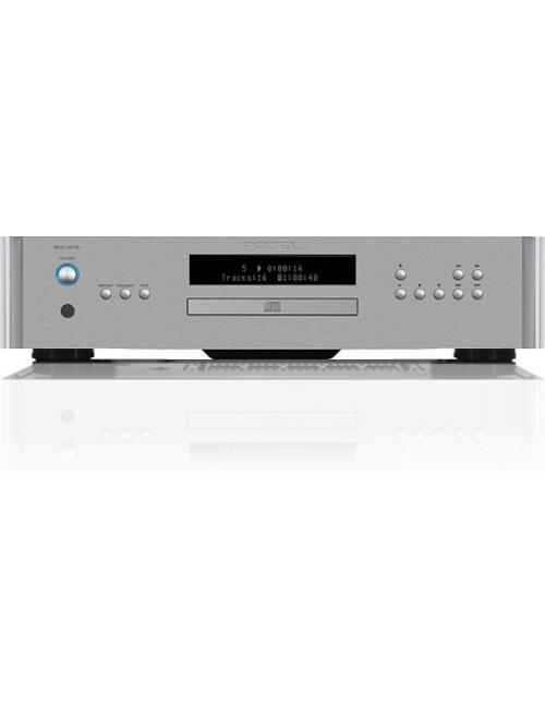 Lettore CD HiFi Rotel RCD-1572, sistema di conversione con DAC Wolfson WM8740 24bit/192KHz, finitura Silver