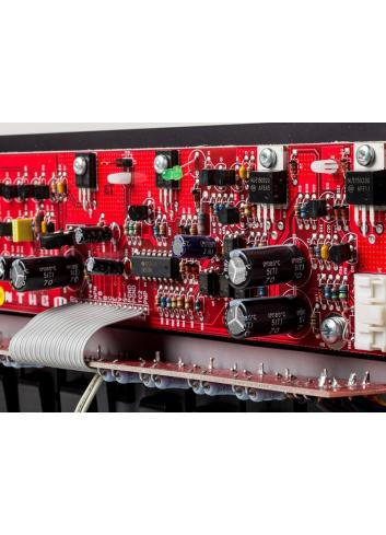 amplificatore di potenza a tre canali, Anthem MCA 525, vista scheda controllo