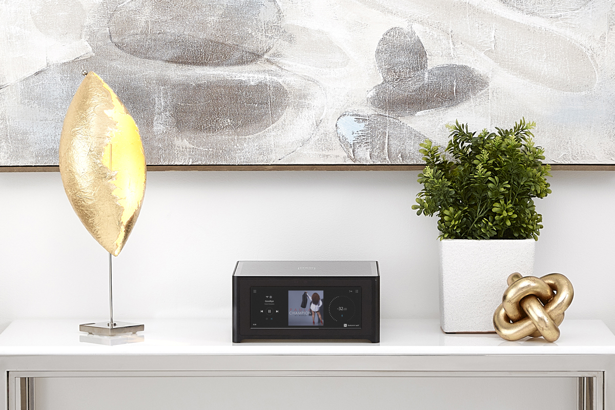 Nad M10 amplificatore streaming HiFi in ambiente