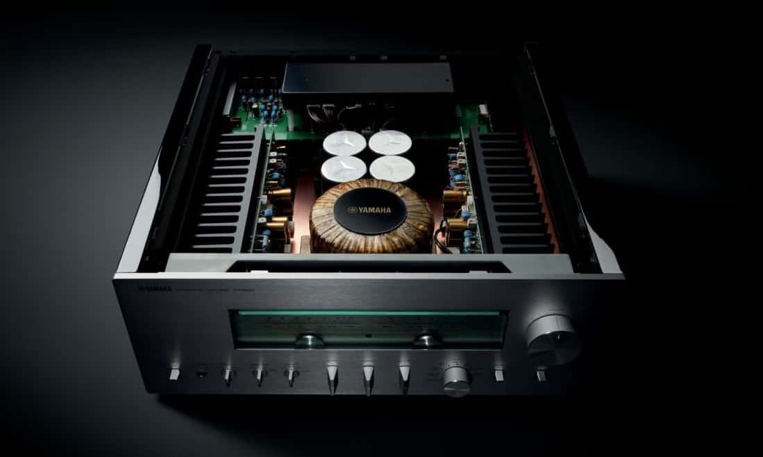amplificatore integrato Yamaha A-S3200 vista interna